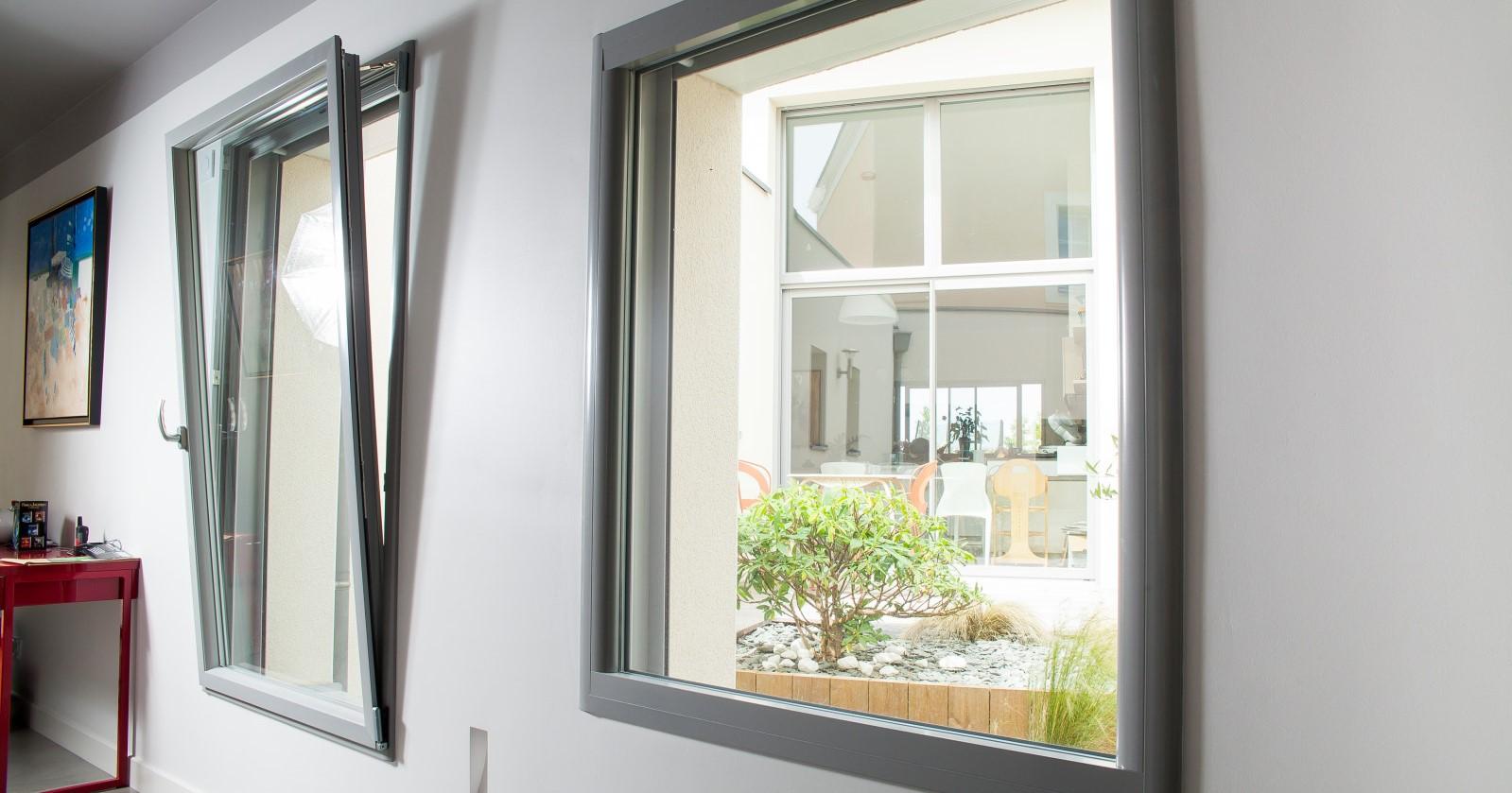 Fenêtre à ouverture oscillo-battante - Komilfo