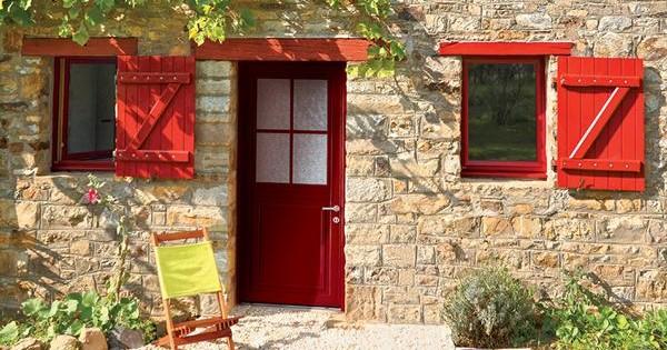 Porte d'entrée traditionnelle mixte bois aluminium - Komilfo