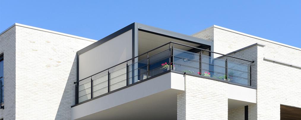 Pergola bioclimatique sur terrasse appartement Brustor