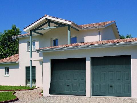 Portes de garage basculantes sur mesure komilfo for Porte garage basculante sur mesure