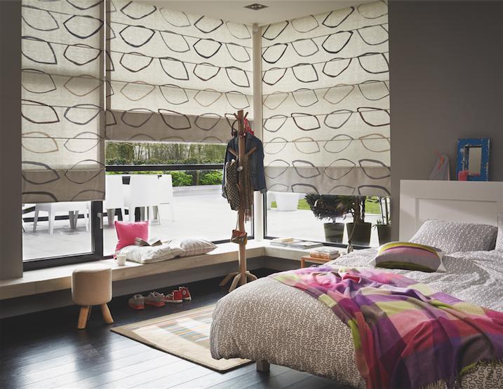 stores bateaux sur mesure komilfo. Black Bedroom Furniture Sets. Home Design Ideas
