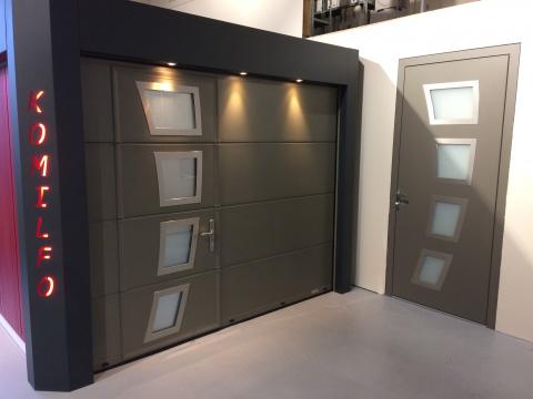 Porte de garage et porte d entree coordonn e komilfo for Porte entree isolee