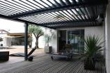 Installation d'une pergola bioclimatique au sud de Rennes (Ille-et-Vilaine) par Open, un monde d'ouvertures