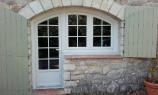 Pose de fenêtres PVC haute performance à Grasse (Alpes-Maritimes) par AMC