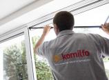 Postulez en tant que poseur de menuiseries à Auxerre et rejoignez l'équipe Komilfo au magasin Géniès Expo !