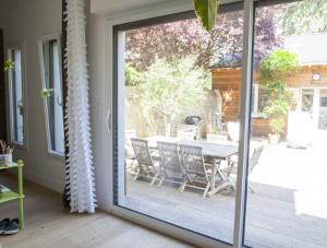 Fenêtre baie vitrée en aluminium et pvc dans le Val-de-Marne