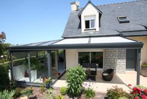 Véranda à toiture plate près de Besançon et Morteau dans le Doubs (25)