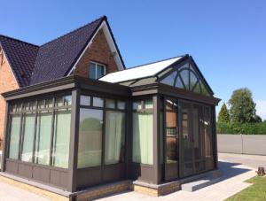 Stores extérieurs de véranda posés par Ombres et Protections à Valenciennes