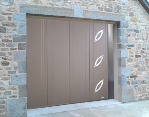 Porte de garage à refoulement latéral à Auxerre réalisée par Géniès Expo dans l'Yonne
