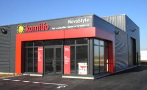 Novastyle, adhérent Komilfo près de Dunkerque, spécialiste en pose de pergolas, stores, et fenêtres