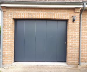 Pose porte garage coulissante, isolante et motorisée à Saint-Omer (Pas-de-Calais)