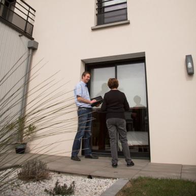 Les conseillers Komilfo vous aident à personnaliser vos fenêtres