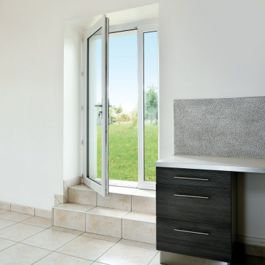 Porte-fenêtre PVC sur-mesure Komilfo