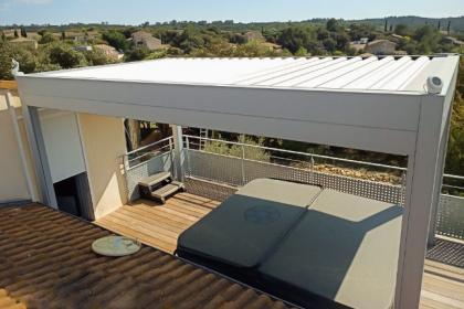 Pergola toit rétractable à Montpezat réalisation DH Menuiserie