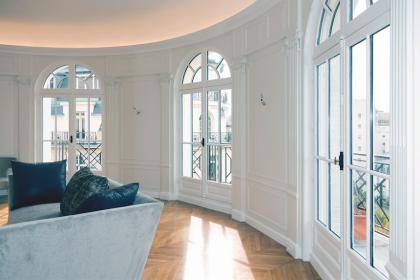Fenêtre bois cintrée traditionnelle
