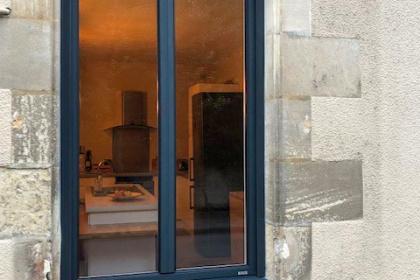 Fenêtre aluminium avec volet à Poitiers - Komilfo Huguet Thibault