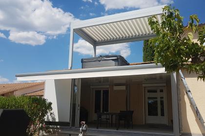 Pergola à lames orientable & store de terrasse