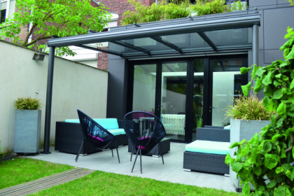 Toit de terrasse en verre et aluminium par Komilfo D'Home Menuiserie
