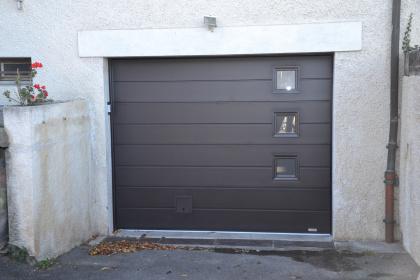 porte de garage sectionnelle hublots électrique evian les bains gypass