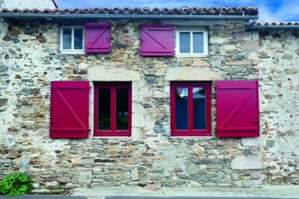 Fenêtres PVC rouge
