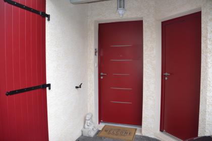 porte entree porte service belm volet battant aluminium rouge qualite