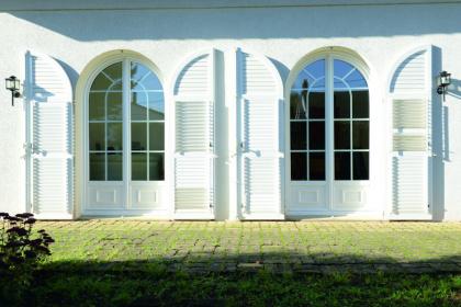 Porte-fenêtres cintrées PVC