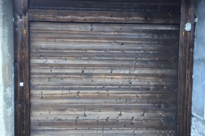 porte de garage basculante motorisée morzine bois