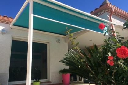 Pergola toile verte à Perpignan - Komilfo Herter Argelès-sur-mer