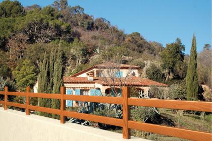 Clôture en bois Prefal installée sur-mesure en Provence