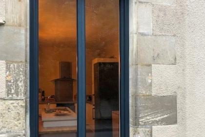 Volet roulant sur fenêtre alu à Poitiers - Komilfo Huguet Thibault