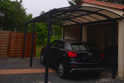 Carport aluminium pour voiture installé par JBA Komilfo Angoulême