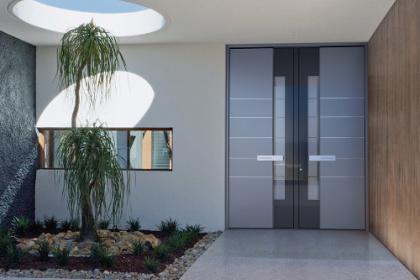 Porte d'entrée design sur-mesure à double vantaux Komilfo