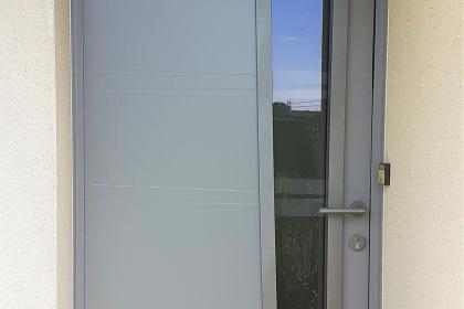 Porte d'entrée aluminium grise le mans