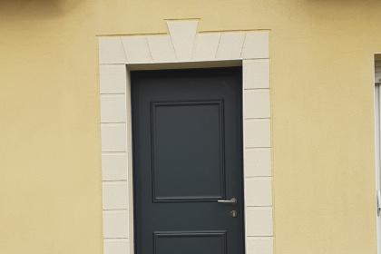 Porte d'entrée aluminium gris anthracite