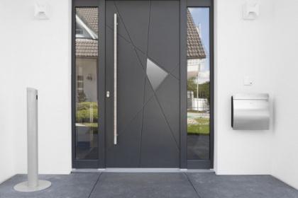 Porte d'entrée aluminium sur-mesure Komilfo