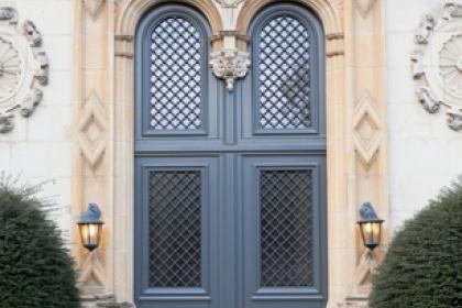 Portes d'entrée traditionnelles sur-mesure Komilfo