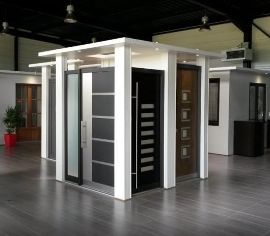 Showroom dédié à la porte d'entrée sur-mesure près de Vitré en Ille-et-Vilaine (35)