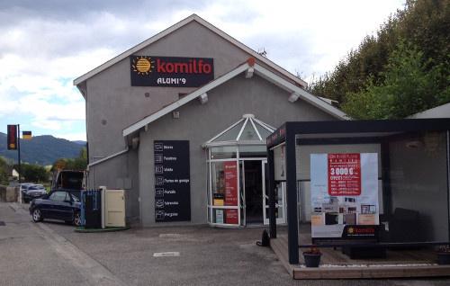 Postulez en tant que poseur menuisier et rejoignez l'équipe Komilfo au magasin Alumi'9 de Foix (Ariège) !