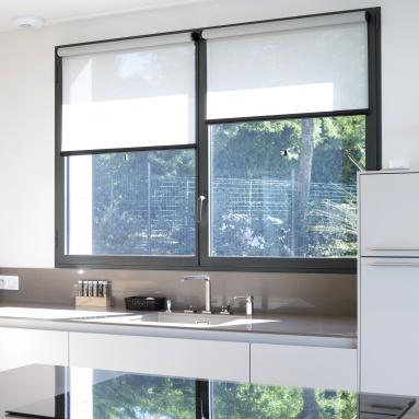 Fenêtre aluminium Komilfo