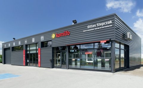 La façade du magasin Gilles Stpczak à Dole (Jura) - Komilfo