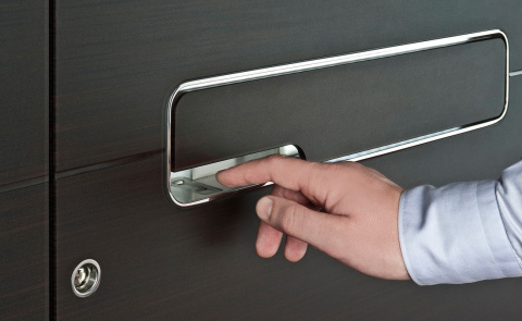 La porte à empreinte digitale pour protéger votre maison Komilfo