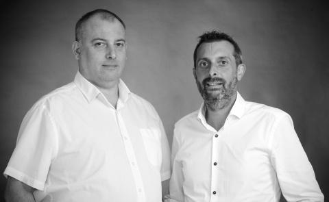 Jonathan et Franck Larquemin - Home Fermetures à Chartres (28) - Komilfo