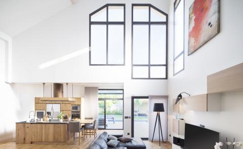 L'aluminium, matière star des fenêtres et baies vitrées - Komilfo