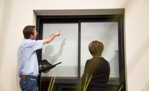 Conseiller Komilfo expert des fenêtres et baies