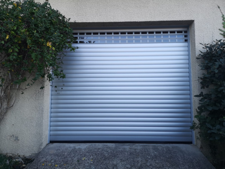 Porte de garage enroulable moteur somfy profalux france