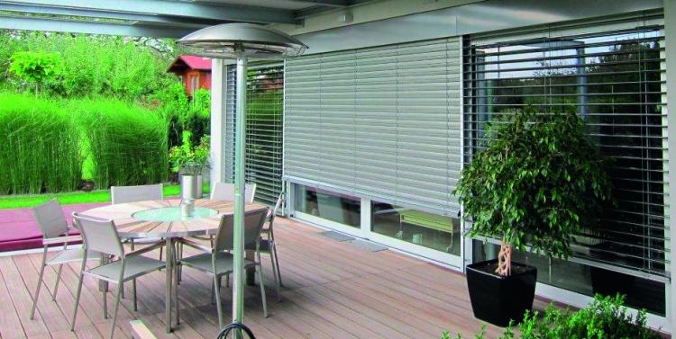 Brise-soleil orientable grande baie - Komilfo Fermetures Service Angers