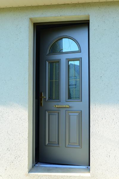 Porte d'entrée traditionnelle