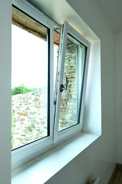 Fenêtre oscillo-battante PVC