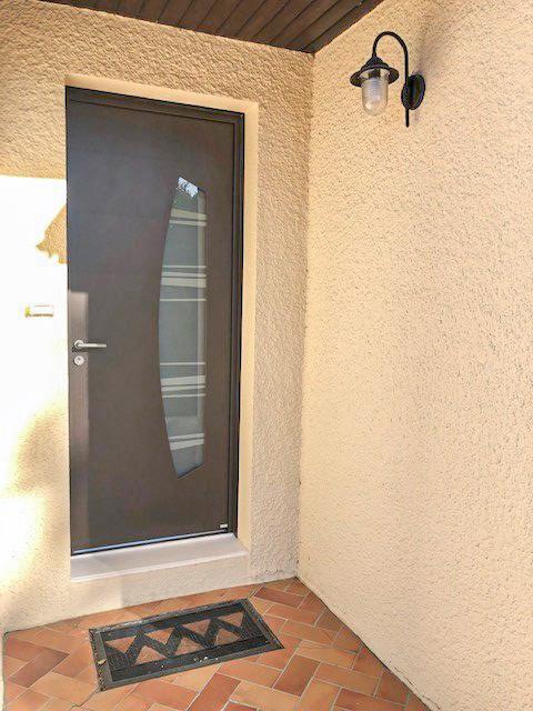 Porte d'entrée aluminium semi-vitrée à Poitiers - Huguet Thibault - Komilfo