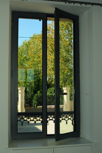 Fenêtres installées à Flers par Société Quenechdu, adhérent Komilfo dans l'Orne (61)